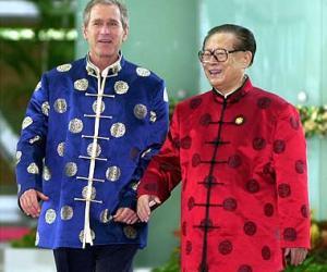 中美元首的新唐装照