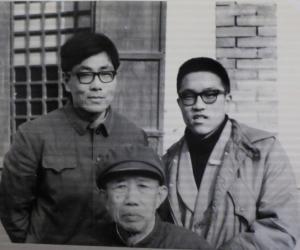 图4:1985年2月摄于山东掖县(与简涛、掖县县志办的.