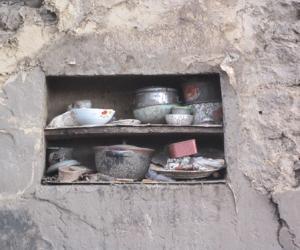 17_只有盆盆儿碗碗儿在守候家园