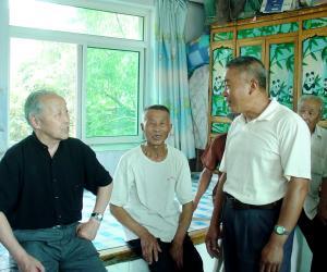 乌丙安和乡亲们谈农耕文化遗产