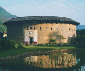中国福建土楼与当代世界最酷的大学生宿舍楼(图)图片