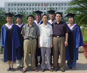05 2004年6月2001级民俗学专业硕士毕业留影_副本