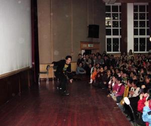 六小龄童表演9
