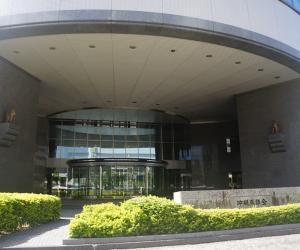 04 冲绳县议会大门两侧墙上的石狮子-1
