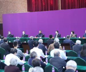 9.出席师生代表座谈会并发表重要讲话。