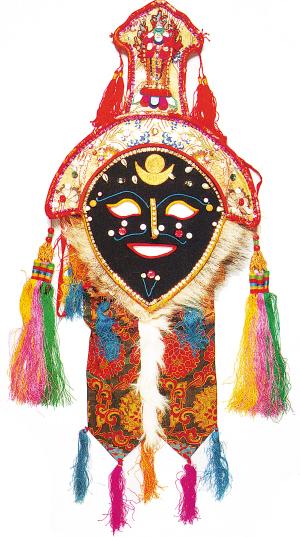 藏戏面具分为温巴面具,人物面具和动物面具.